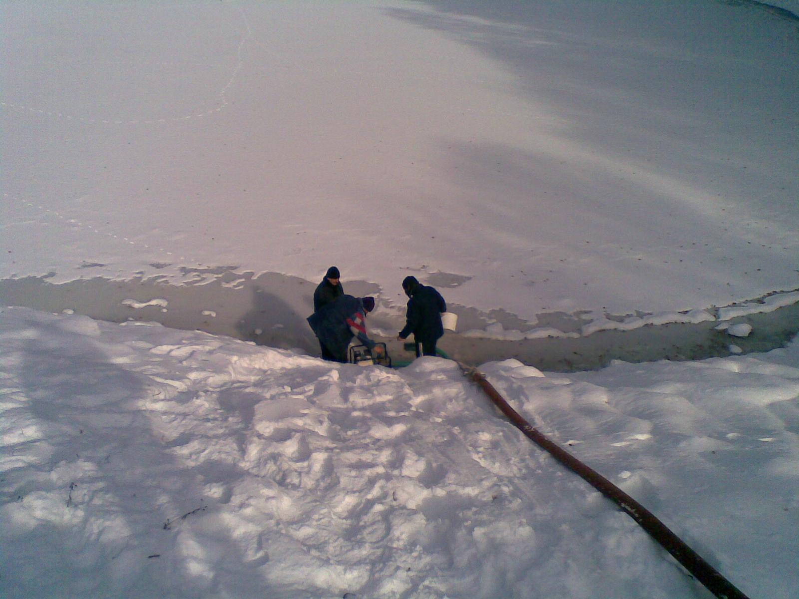 Lac transformat in patinoar. Apa nu a mai ajuns la robinetele oamenilor