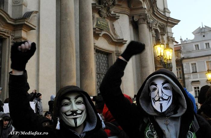 """300 de tineri au iesit in centrul Timisoarei pentru a spune: """"STOP ACTA"""""""