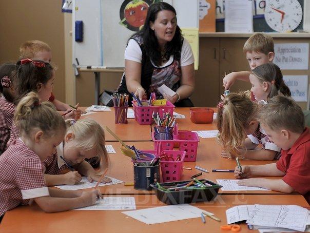 """""""Scoala Altfel"""" le da batai de cap profesorilor. La clasa asi, la organizare codasi"""