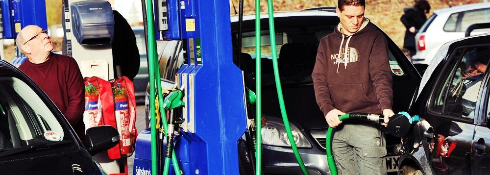 Rompetrol a scumpit benzina si motorina dupa ce OMV Petrom a majorat preturile la maxime absolute
