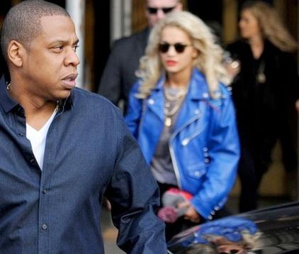 Imaginea care o face geloasa pe Rihanna si nu pe Beyonce. Cine e blonda lui Jay Z. FOTO