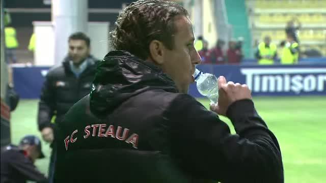 Reghecampf vrea daune de 1 milion de euro de la Cornel Dinu, care l-a acuzat ca a trucat meciuri