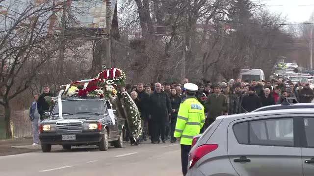 Vicecampionul national la motociclism, strivit de propria masina, a fost inmormantat la Breaza