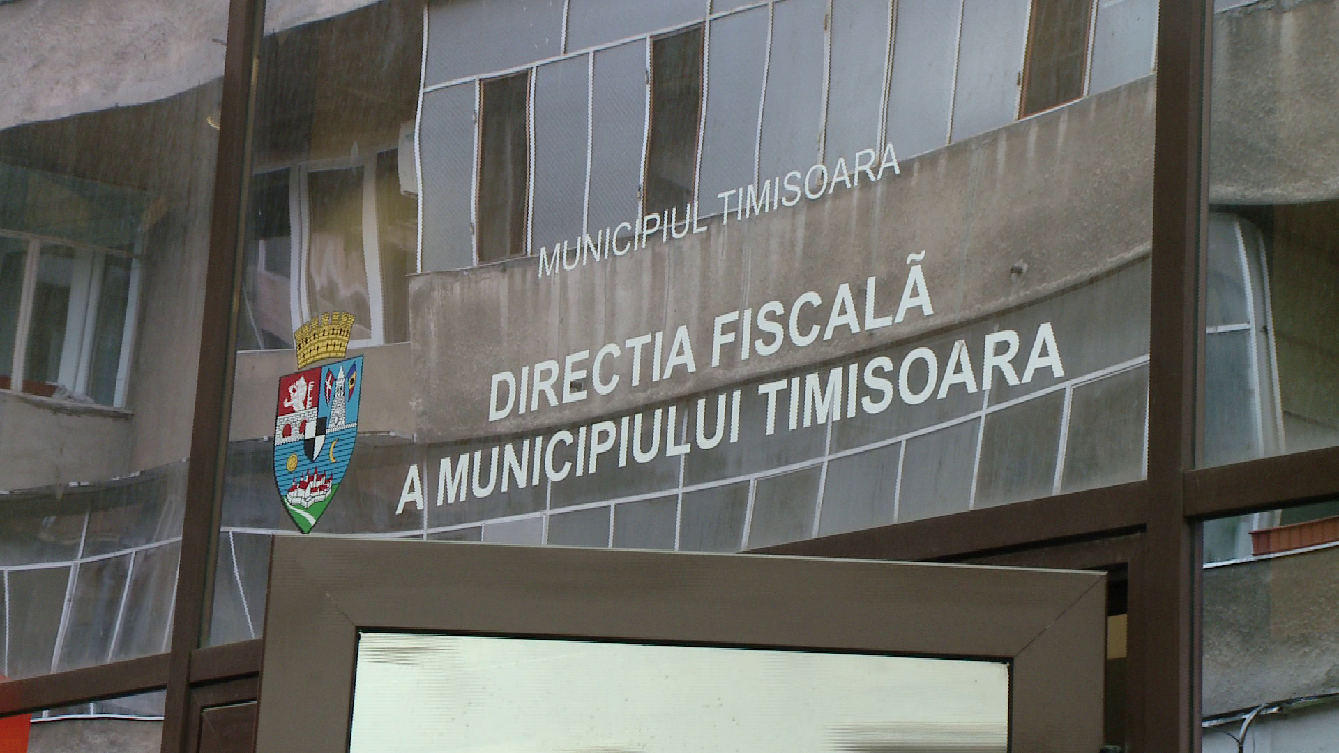 Lift doar in acte. Angajatii Primariei Timisoara au semnat receptia unui ascensor care nu exista