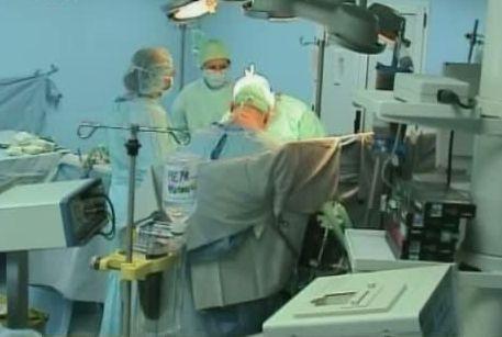 Femeie in coma, dupa o operatie de liposuctie, facuta la o clinica particulara