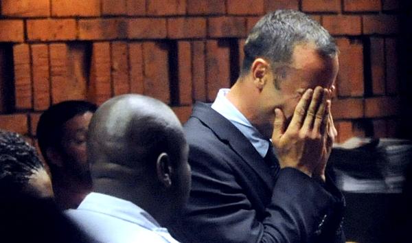 Oscar Pistorius ar fi accesat site-uri pentru adulti, de pe telefon, in noaptea in care si-a ucis iubita