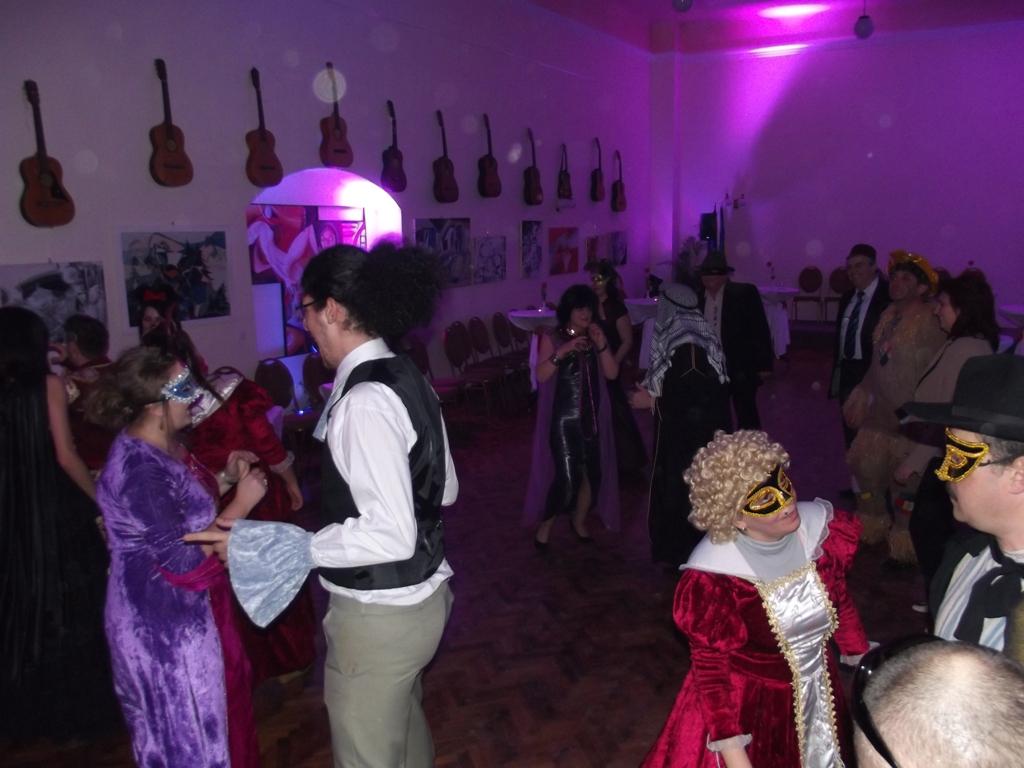 Atmosfera de basm la Sibiu, o data cu primul carnaval al iernii, care se vrea sa devina o traditie