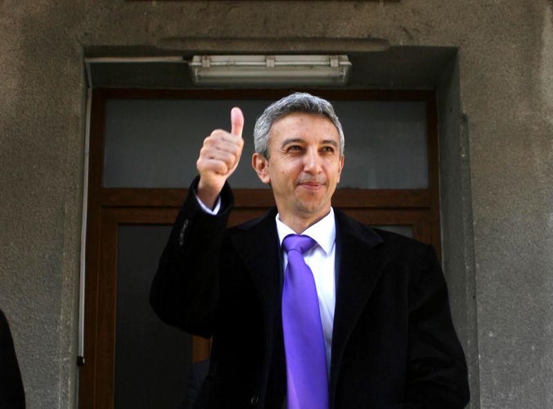 PPDD si-a reafirmat sustinerea pentru Guvernul Victor Ponta si a exclus sase parlamentari. Ce a declarat Dan Diaconescu