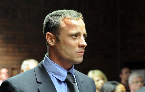 Oscar Pistorius va petrece o luna intr-un spital psihiatric. Cum ar putea scapa sportivul de acuzatia de crima cu premeditare
