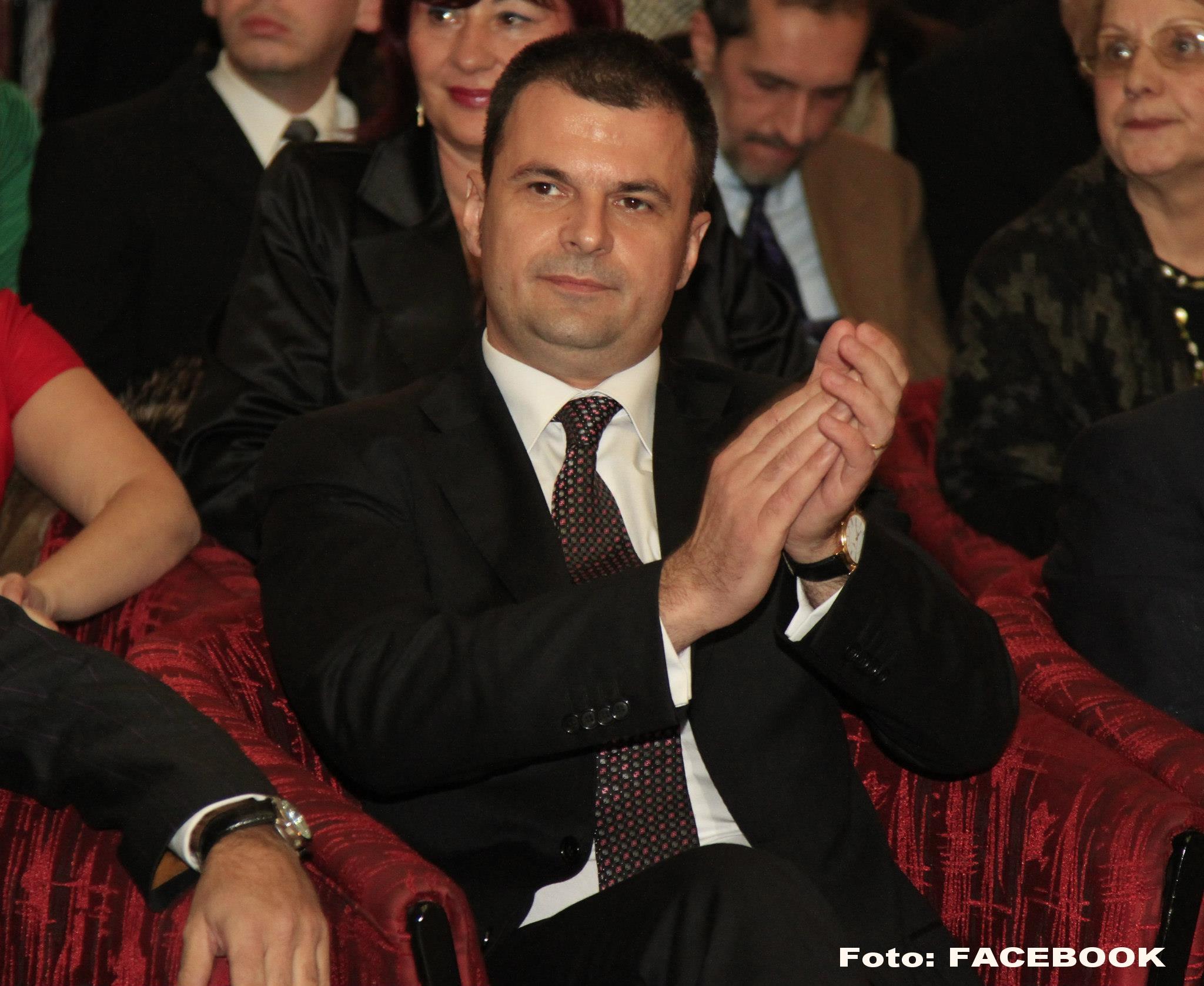Deputatul PNL Mircea Rosca, cercetat pentru coruptie, este audiat la DNA Ploiesti. Ce a declarat inainte sa intre in sediu