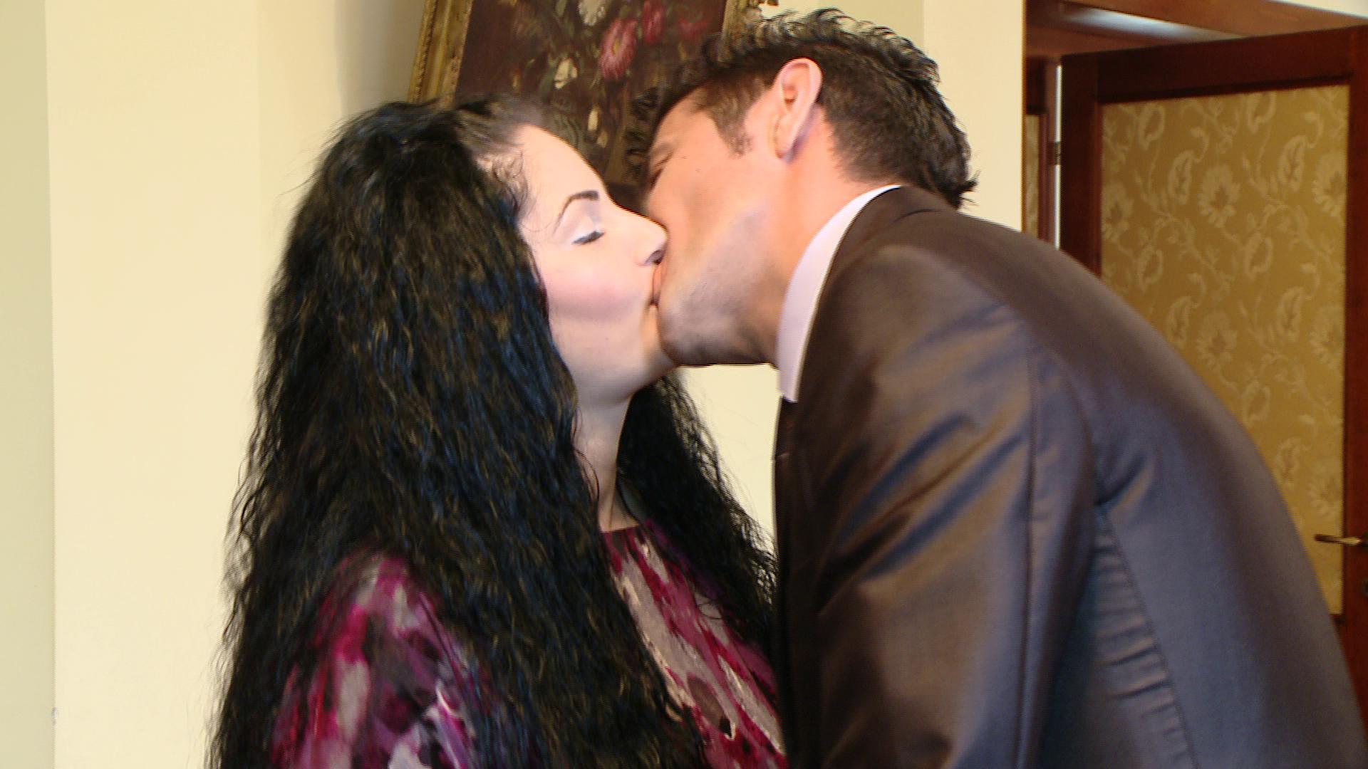14 cupluri au hotarat sa-si uneasca destinele de Ziua Indragostitilor, la Timisoara. VIDEO