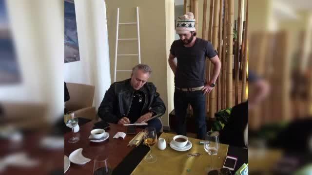 Primele imagini cu Nicolas Cage in Romania. Care a fost meniul starului american si ce bacsis a lasat
