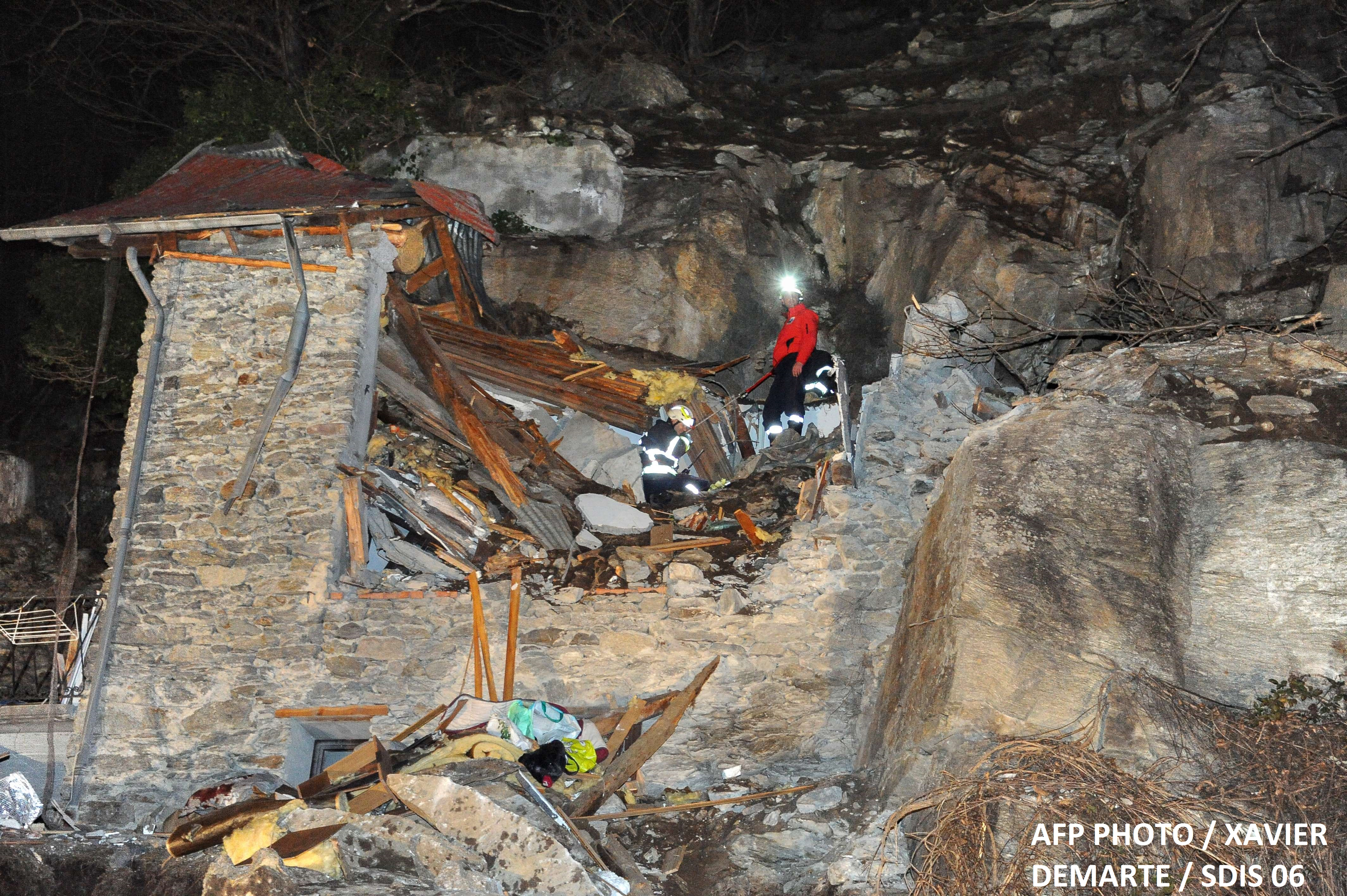 Accident cumplit in Alpii francezi. Un bolovan urias a distrus o cabana si a ucis doi copii