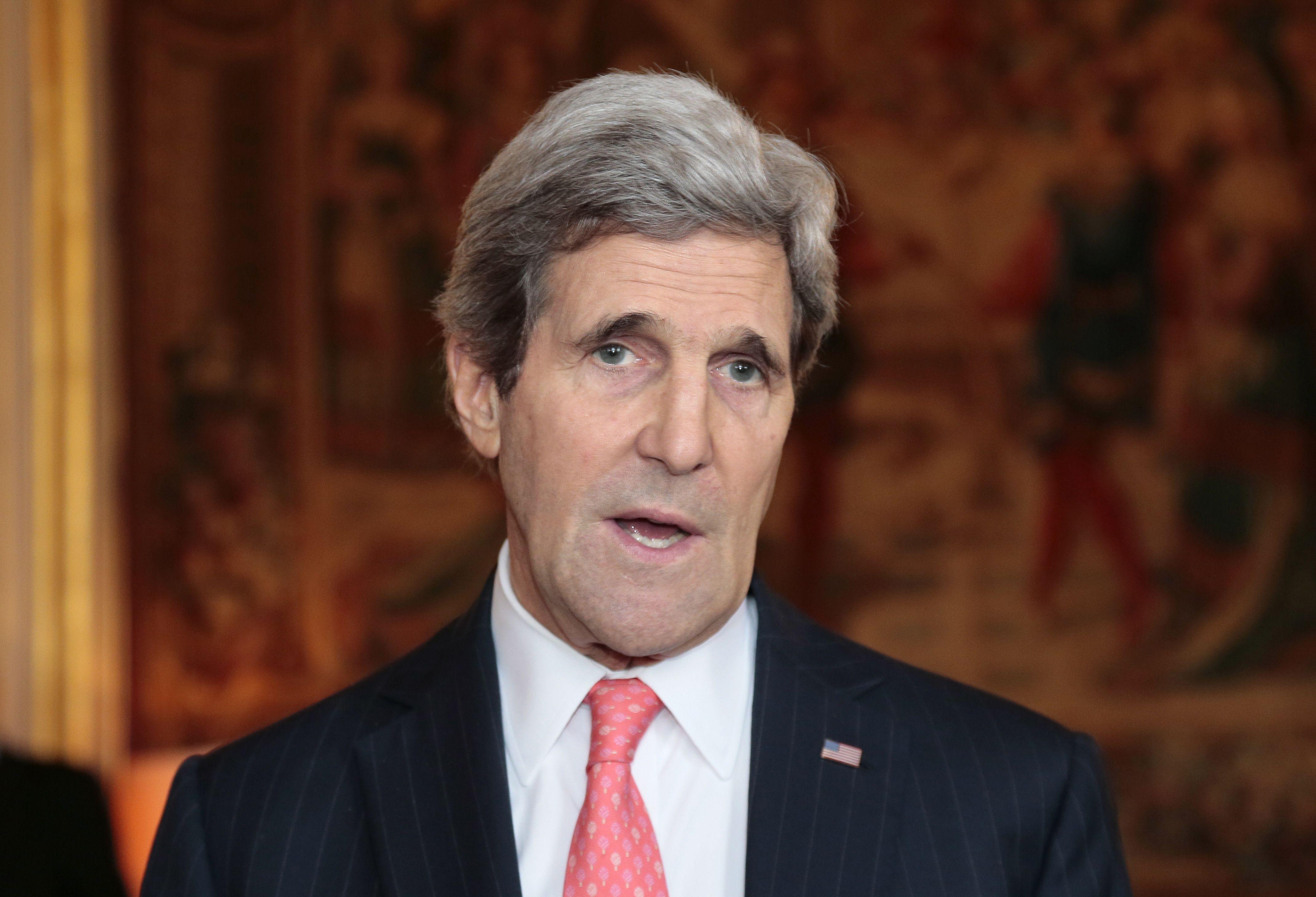Secretarul american de stat John Kerry, amendat cu 50 de dolari de primaria Bostonului. Ce ilegalitate a comis oficialul SUA