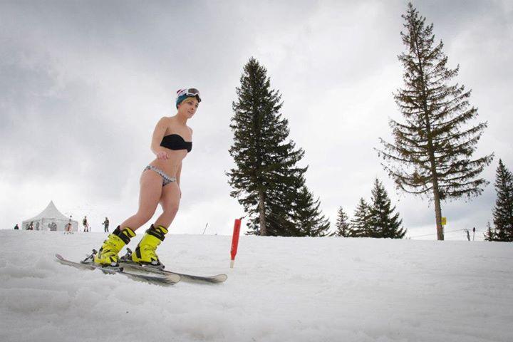 Concurs pentru femei la Arena Platos. Miss Bikini pleaca la surf in Tenerife