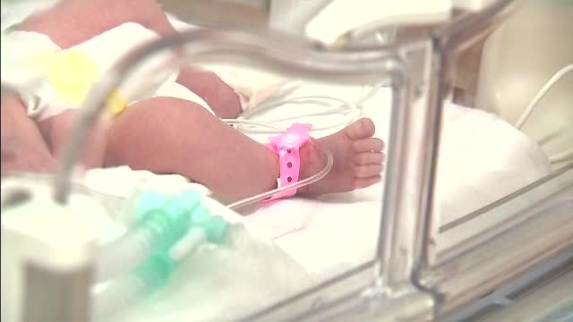 A dat viata unui bebelus sanatos si se simtea foarte bine dupa nastere. Femeia a murit insa la scurt timp dupa
