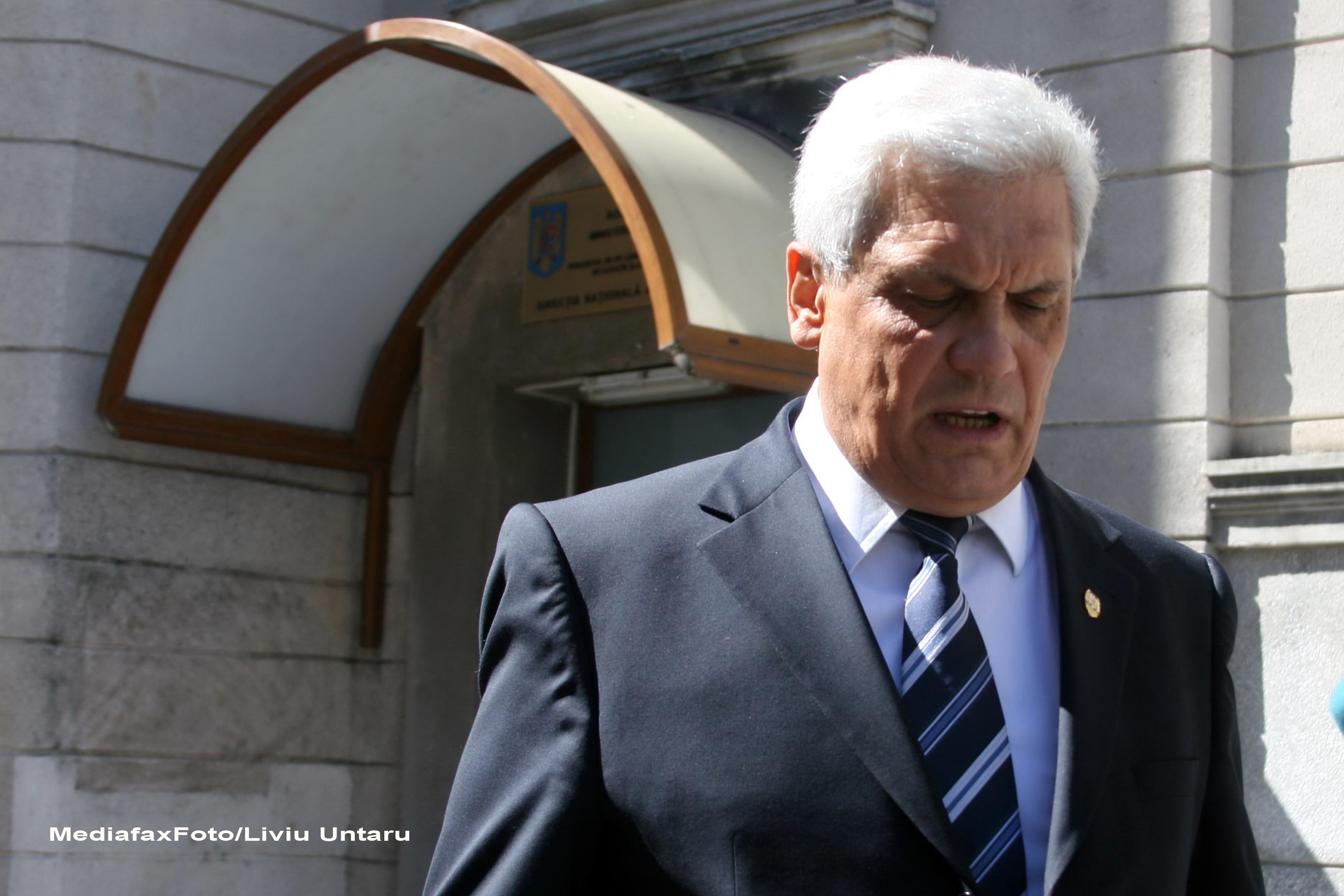 GALA BUTE. Fostul ministru al Economiei Ion Ariton a fost inculpat si pus sub control judiciar