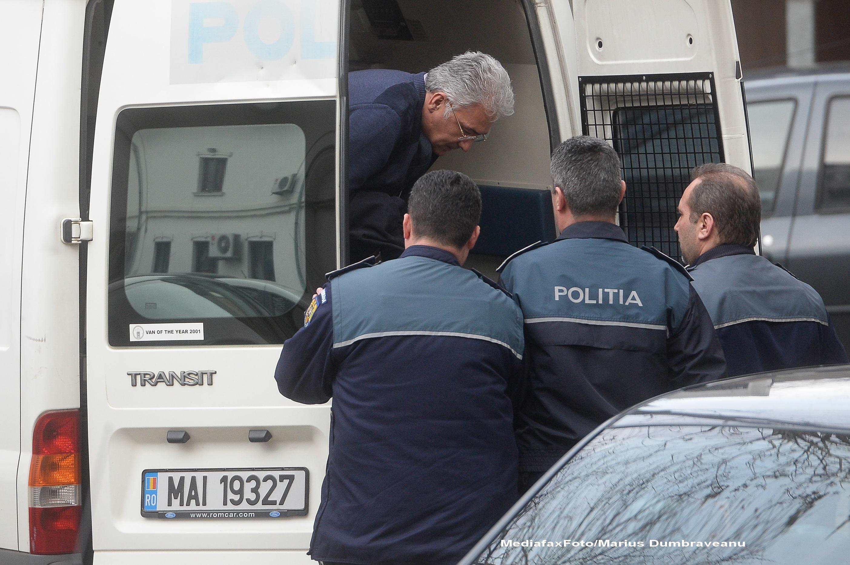Adriean Videanu a fost adus din arest la DIICOT, pentru a fi audiat in dosarul Romgaz-Interagro