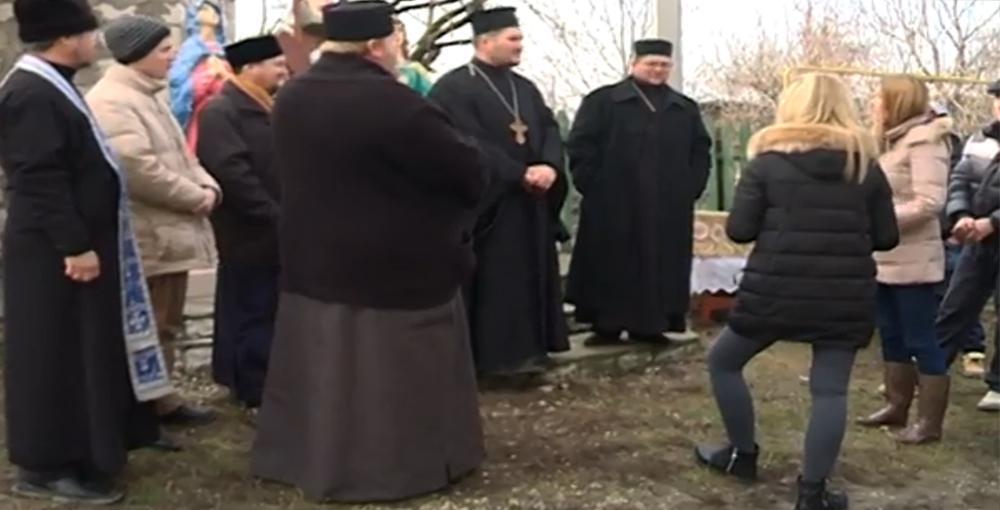 Conflict intre mitropolii pentru controlul unei parohii din Moldova. Boicot pe inmormantari si taxa de preotie de 1.000 euro