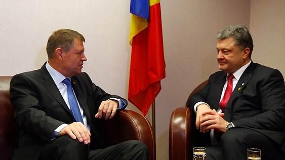 Porosenko l-a salutat pe Iohannis in romana, in cadrul intalnirii de la Consiliul European.