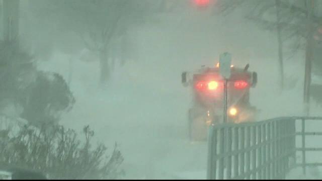 Viscolul a paralizat nord-estul Statelor Unite. Sute de zboruri au fost anulate, iar trenurile au avut intarzieri uriase