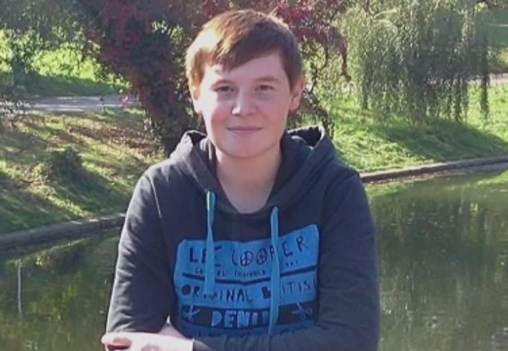 Un tanar de 19 ani a murit dupa ce a fost lovit de metrou la statia Pacii. Cunoscutii spun ca suferea din dragoste
