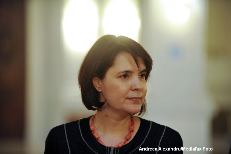 Noul judecator al CCR Maya Teodoroiu a depus juramantul la Palatul Cotroceni. Iohannis: