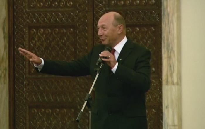 Basescu: Prea multi procurori au trecut judecatori si sunt ofiteri acoperiti printre magistrati