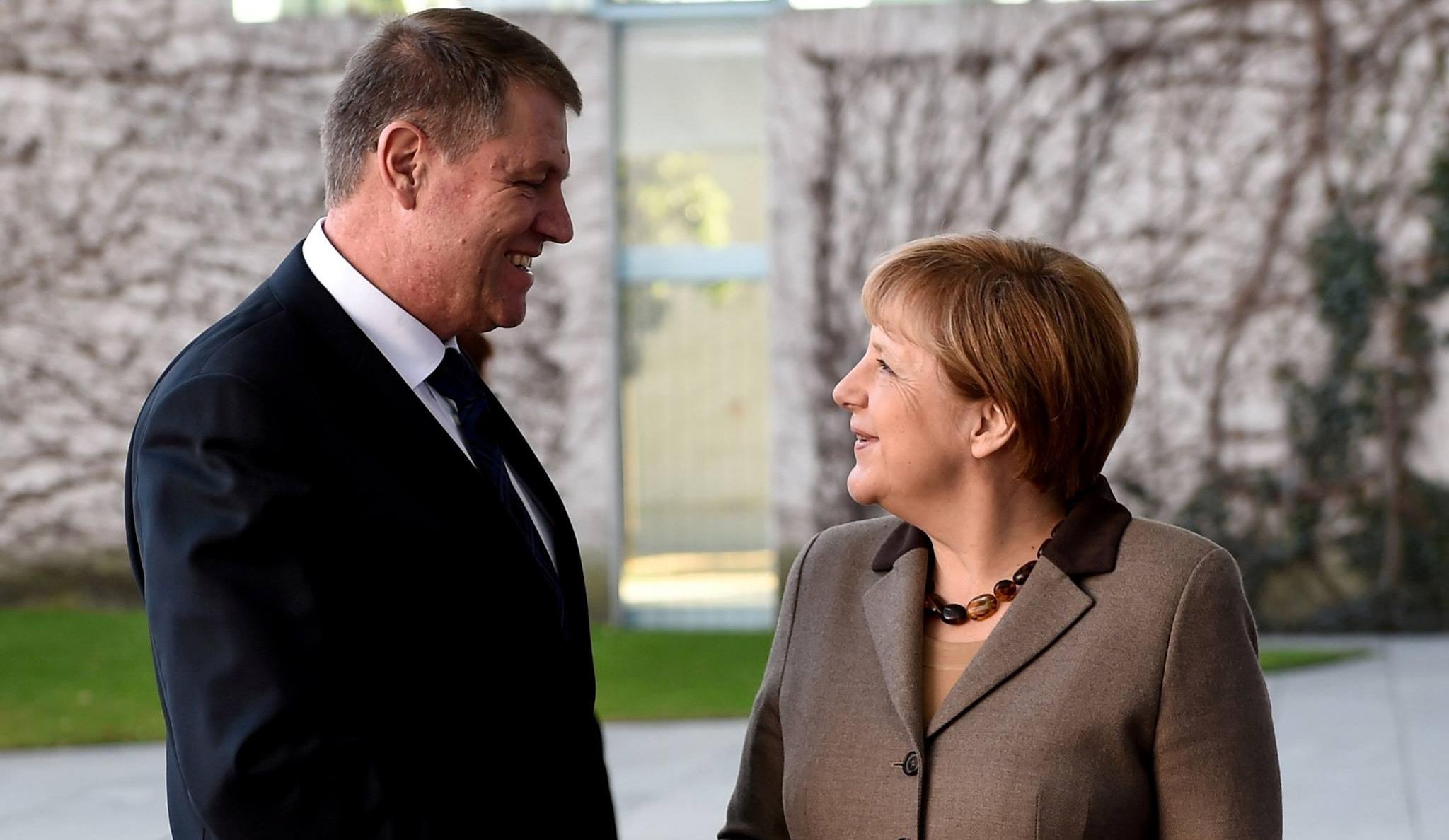 Angela Merkel l-a sunat joi pe Klaus Iohannis. Despre ce au discutat cei doi