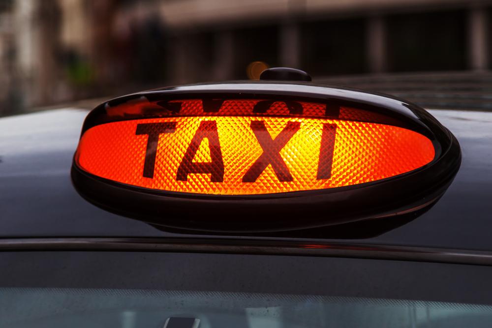 Taximetristul care ar fi jefuit-o pe fiica adjunctului sefului Politiei din Tirana, studenta in Bucuresti, prins de politisti