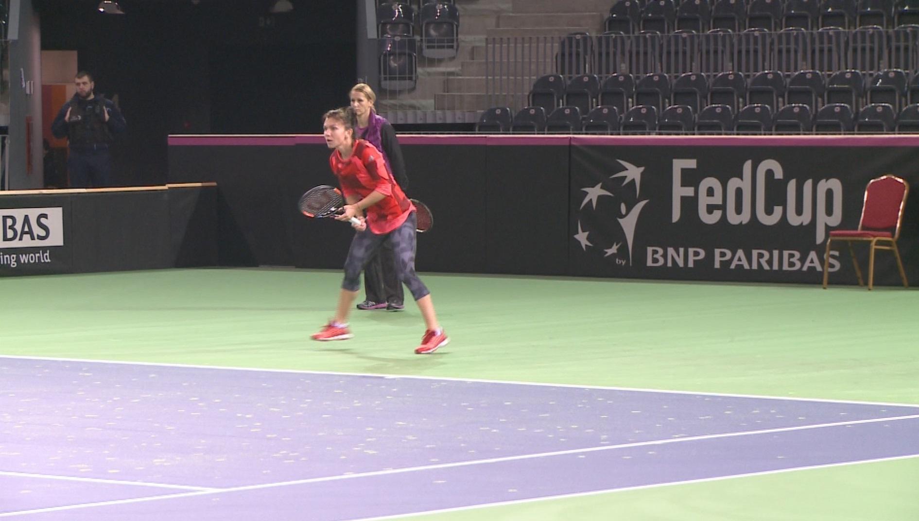 Simona Halep, invinsa de Karolina Pliskova, in primul meci al intalnirii Romania-Cehia, din Fed Cup
