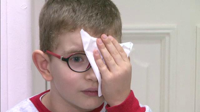 Tot mai multi copii au probleme de vedere, depistate prea tarziu. Varsta de la care medicii recomanda controlul oftalmologic