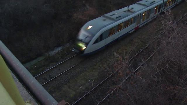 Moarte suspecta pe o cale ferata. Un martor a povestit ca victima a cazut in gol, insa dovezile il contrazic