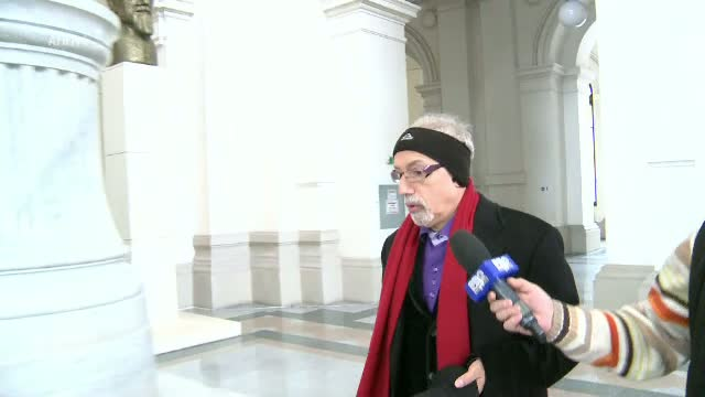 Solomon Wigler, fost consilier al lui Oprescu, condamnat definitiv la 4 ani de inchisoare. Suma confiscata de instanta