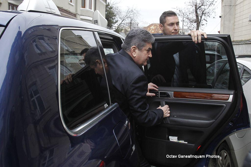 Gabriel Oprea, urmarit penal de DNA pentru abuz in serviciu. Cum a explicat in fata procurorilor folosirea coloanei oficiale