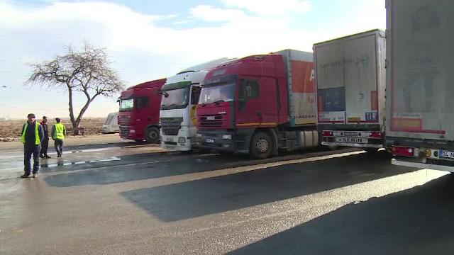 Transportatorii reclama o criza a TIR-istilor si cer schimbarea legislatiei. Suma atinsa de salariul unui sofer de camion