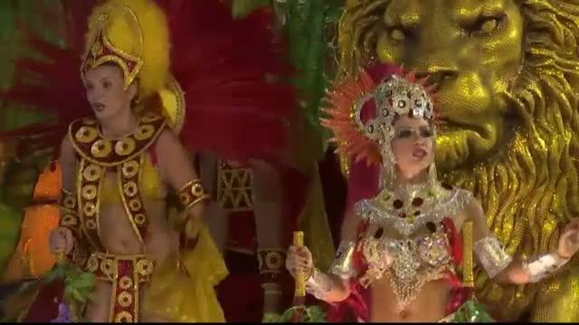 Parada scolilor de samba a cucerit zecile de mii de spectatori, la Carnavalul de la Rio. Cand se anunta marele castigator