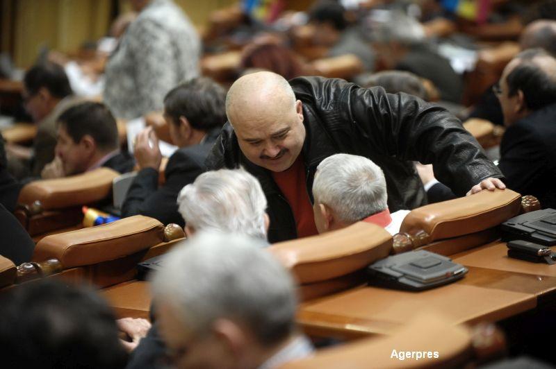 """Catalin Voicu a fost eliberat din inchisoare. Fostul senator a facut """"munci injositoare"""" si a mai scris si 6 carti de drept"""