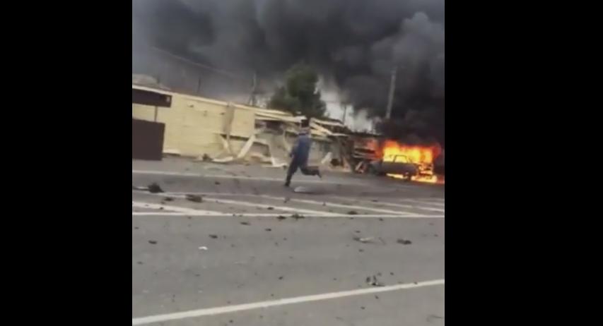 Atentat cu masina-capcana in Dagestan, langa un punct de control al politiei. Imaginile surprinse imediat dupa explozie:VIDEO