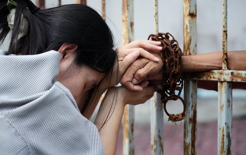 O detinuta vietnameza a scapat de executie dupa ce a ramas insarcinata. Cum a reusit sa-si salveze viata cu 2.300 de dolari