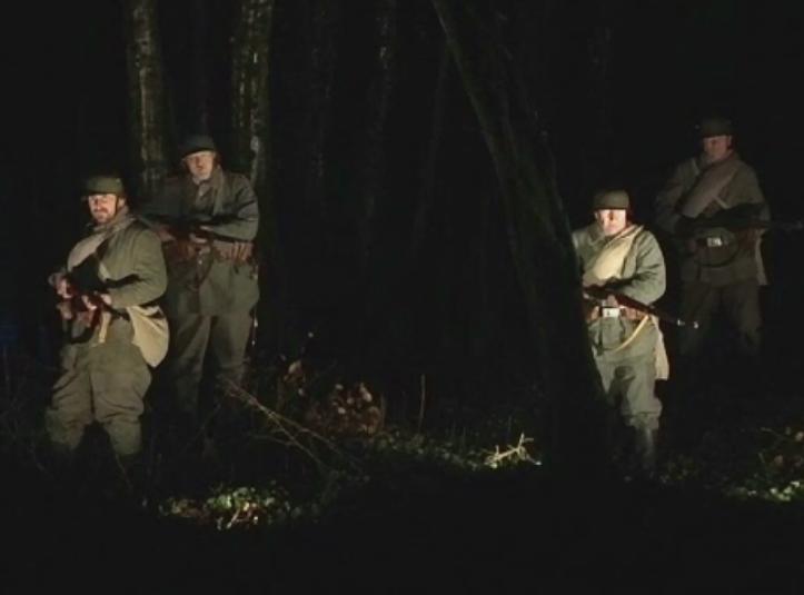 Lovituri de tun si oameni in uniforme de epoca, la comemorarea unui secol de la faimoasa batalie de la Verdun, din Franta