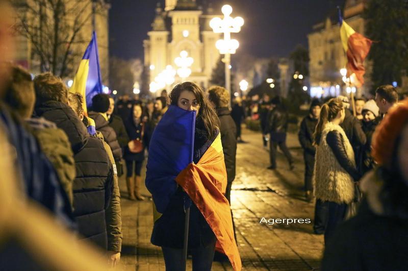Proteste in toata tara, ziua 11. 3.000 de oameni au iesit in strada la Timisoara si au cantat melodiile de la Revolutie