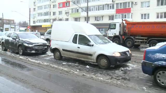 Accidente in lant in Bucuresti din cauza