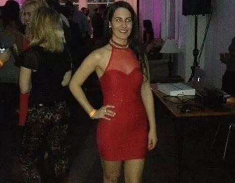 O femeie a murit dupa ce a cazut in gol de la 9 metri intr-o cladire din Manhattan. Ce incerca sa faca in acele clipe