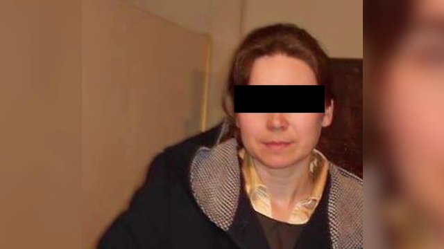Profesoara de romana, sotie de preot si mama a 3 copii, arestata pentru relatii intime cu un elev minor. Baiatul s-a sinucis