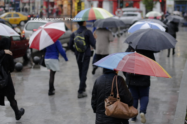 Avertizare COD GALBEN de ploi in sase judete din nordul si estul tarii. Cod galben de inundatii pe rauri din 17 judete