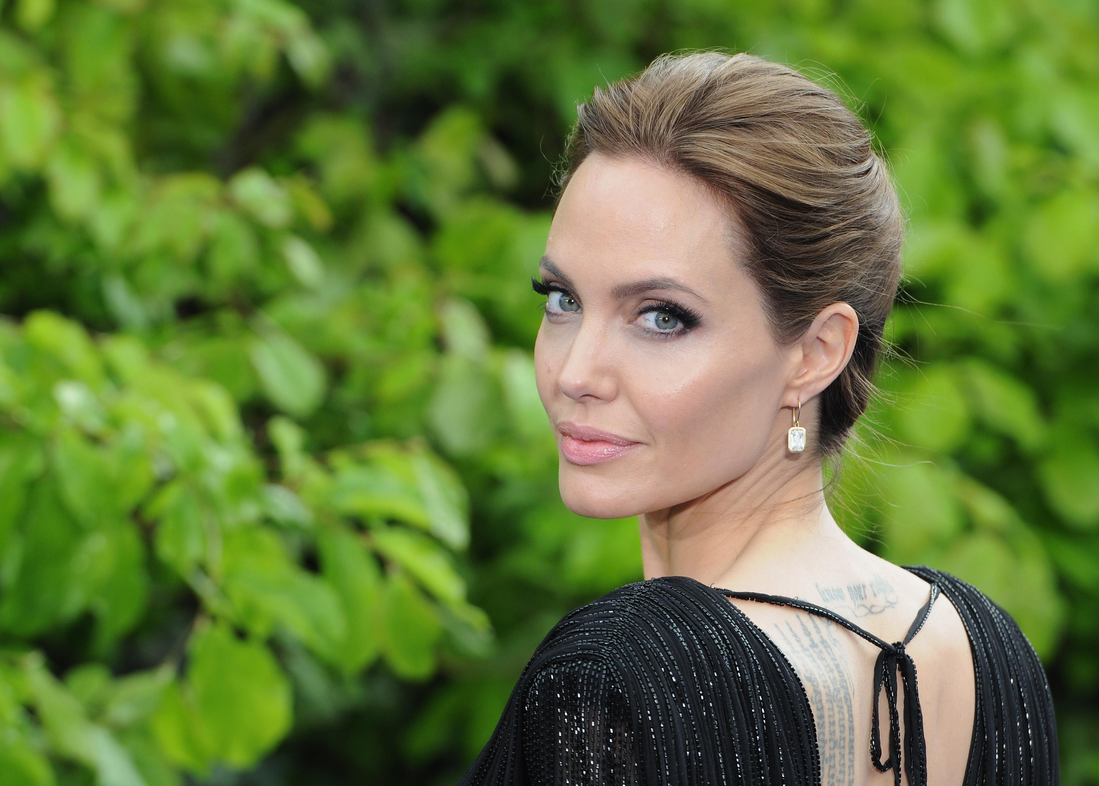 Angelina Jolie si Cristiano Ronaldo vor aparea intr-un serial turcesc despre o familie de refugiati