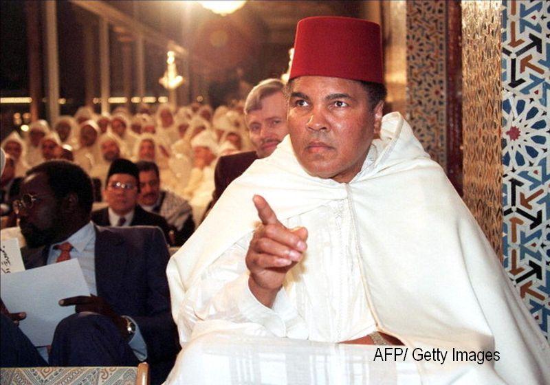 Fiul si fosta sotie a lui Muhammad Ali, retinuti pe aeroportul din Florida.