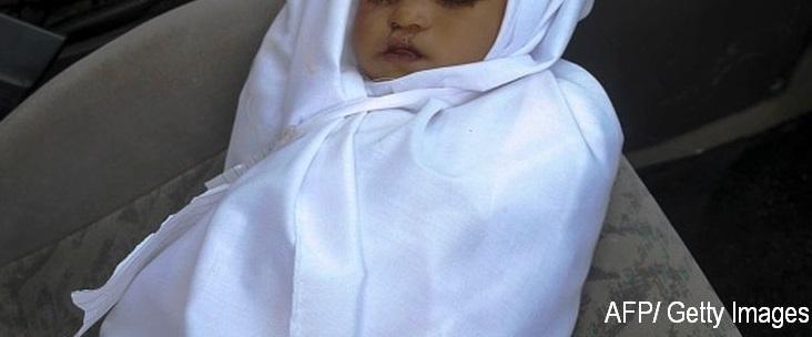 O femeie de 22 de ani si-a decapitat fiica de trei luni si a primit inchisoare pe viata. Ce declaratie halucinanta a facut