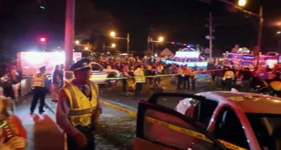 Un camion a intrat in multime la o parada din New Orleans. Un tanar de 25 de ani a fost pus sub inculpare